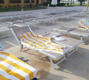 Liegen am pool Stella Di Mare Beach Resort & Spa Makadi Bay