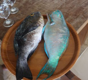 Jeden Tag lecker Fisch (vorher) Nusa Indah Bungalows & Villa