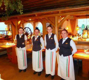 Bedienungen am Italienischen-Abend   Romantik Resort & Spa Der Laterndl Hof