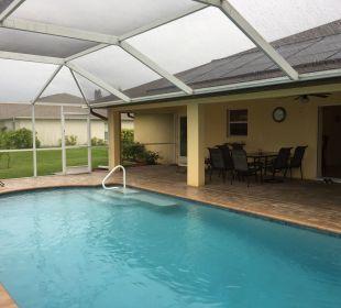 Pool Villa Summertime