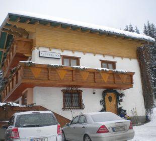 Vorderansicht Eingang Pension Alpenblick