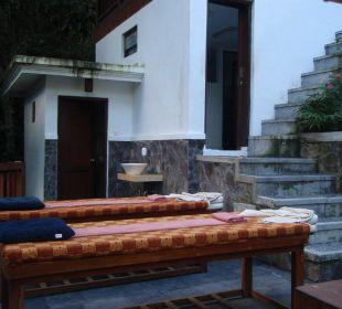 Außenmassage bei der Spa Hotel Nandini Bali Jungle Resort & Spa