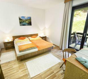 DZ zur Einzelnutzung mit Balkon und Gartenblick BergPension Lausegger