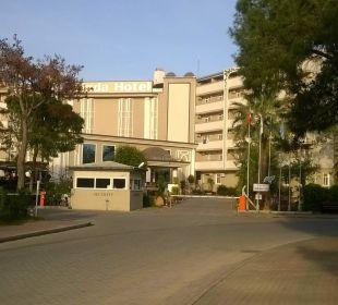 Hoteleingang Linda Resort Hotel