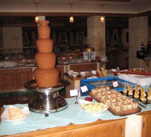 Dessertbüffé mit Schokoladefondue Hotel Alpin Spa Tuxerhof