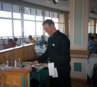Ein sehr netter Kellner ClubHotel Riu Vistamar