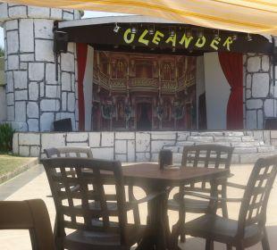 Theaterbühne Hotel Oleander