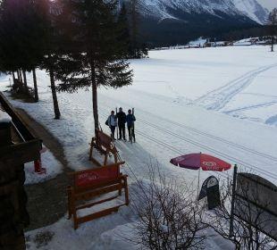 Zimmerblick auf die Loipen Alpenhotel Karwendel