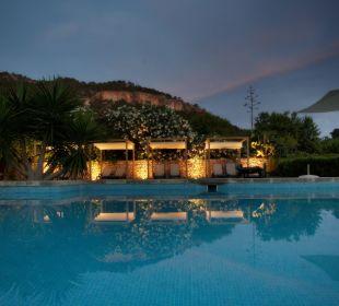 La piscina de noche Finca Son Esteve