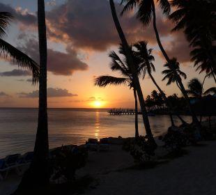 Sonnenuntergang am Strand Dreams La Romana Resort & Spa