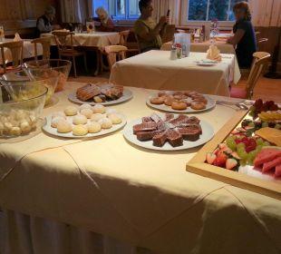 Dessert samt Kuchen die Sonnigen Hotel und Restaurant