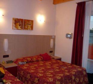 Doppelbett von Zimmer 301 Hotel Villa Angelina