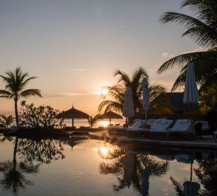 Sunset Hotel Constance Moofushi Resort
