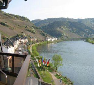 Blick vom Balkon auf die Mosel Hotel Weinhaus Mayer
