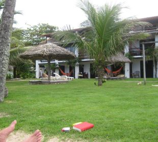 Blick vom Garten auf die Pousada Hotel Porto da Lua