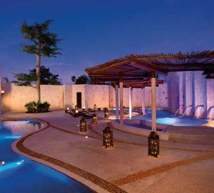 Außenbereich des Spas Secrets Maroma Beach Riviera Cancun