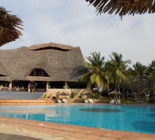 Pool und Haupthaus Temple Point Resort