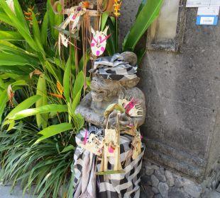 Eingang  Villas Parigata Resort