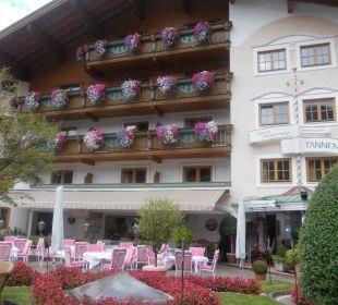 Vorderansicht des Hotels Alpines Lifestyle Hotel Tannenhof