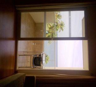 Blick aus Zimmer über Balkon zum Meer lti fashion Garbi