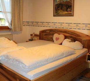 Liebevoll gemachte Betten Gästehaus Watzmannblick