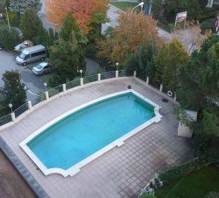Pool von meinem Balkon Hotel De La Paix