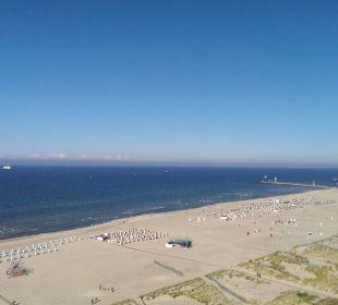 Blick zum Strand aus der 14. Etage Hotel Neptun