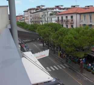 Blick von der Terrasse nach links Hotel Eden Lido Di Jesolo