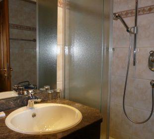 Bad mit Dusche Hotel Müllers Löwen