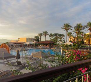 Blick über die Poolanlage Hotel Horizon Beach Resort