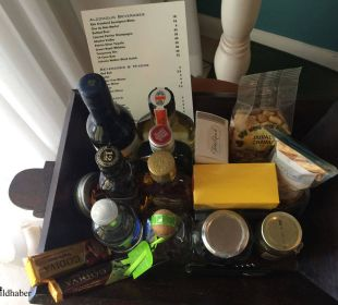 2. Mini-Bar Hotel Ocean Key Resort & Spa