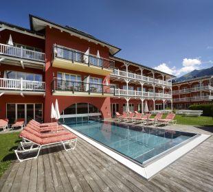 Hotel Außenansicht mit Pool Das Hotel Eden
