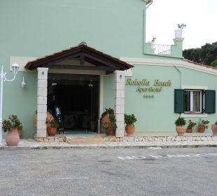 Rezeptionsgebäude Hotel Robolla Beach