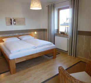 Ferienwohnung Weide Schlafzimmer Gästezimmer Fewos Familie Neubert