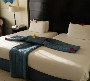 So werden im Hotel die Betten gemacht  Hotel Reef Oasis Blue Bay