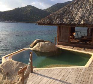 Traumaussicht auf Pool und Meer Hotel Six Senses Ninh Van Bay