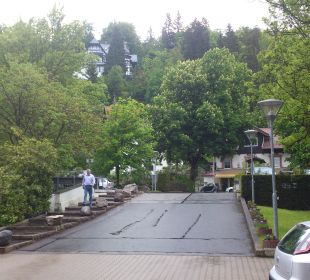 Vom Eingang Richtung Strasse Mercure Hotel Garmisch Partenkirchen