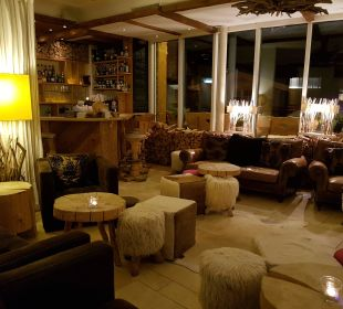 Lobby und Bar Hubertus Alpin Lodge & Spa