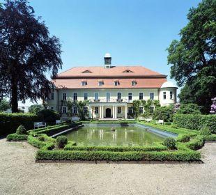 Barockfassade des Schlossgebäudes Hotel Schloss Schweinsburg