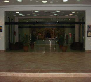 Hoteleingang Hotel Safira Palms