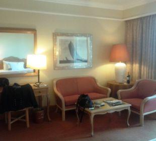 Sitzecke, links Schreibtisch Hotel The Cliff Bay (PortoBay)