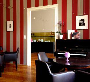 Klavier in Lisa's Salon Hotel Altstadt Vienna
