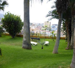 Liegefläche mit Stadt-Panorama Hotel Tigaiga