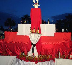 Abenddeko an der Poolbar Hotel Side Crown Palace
