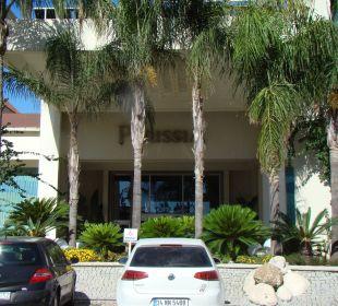 Eingang zum Hotel SENTIDO Perissia