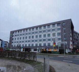 Hotel von aussen Holiday Inn Express Hotel Bremen Airport