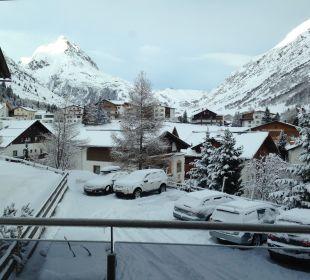 Ausblick vom Balkon Alpinhotel Monte