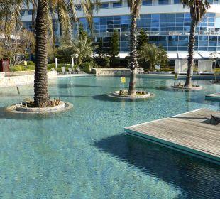 Ruhepool mit Sitzfläche Hotel Concorde De Luxe Resort