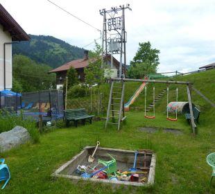 Spielplatz mit Trampolin Hotel Klausenhof