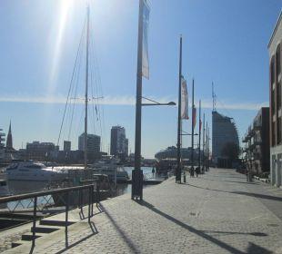 """Blick auf """"Neuen Hafen"""" im-jaich boardinghouse bremerhaven"""